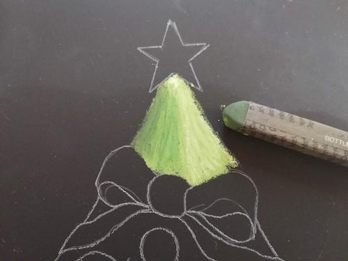 クリスマスツリーを詳細に着色